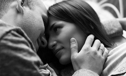 Cómo enamorar a una mujer Acuario